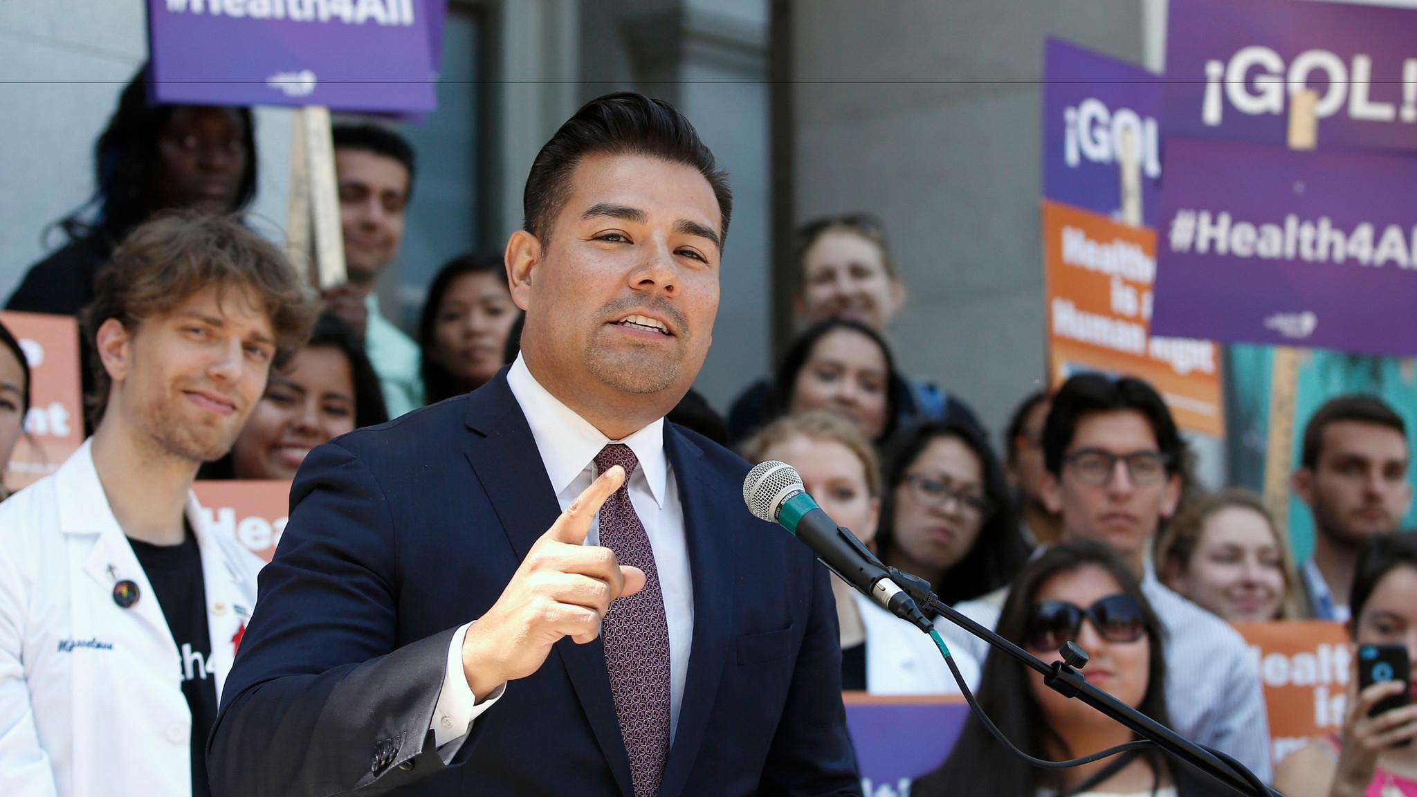 Sen. Ricardo Lara (D-Bell Gardens) (Rich Pedroncelli / Associated Press)