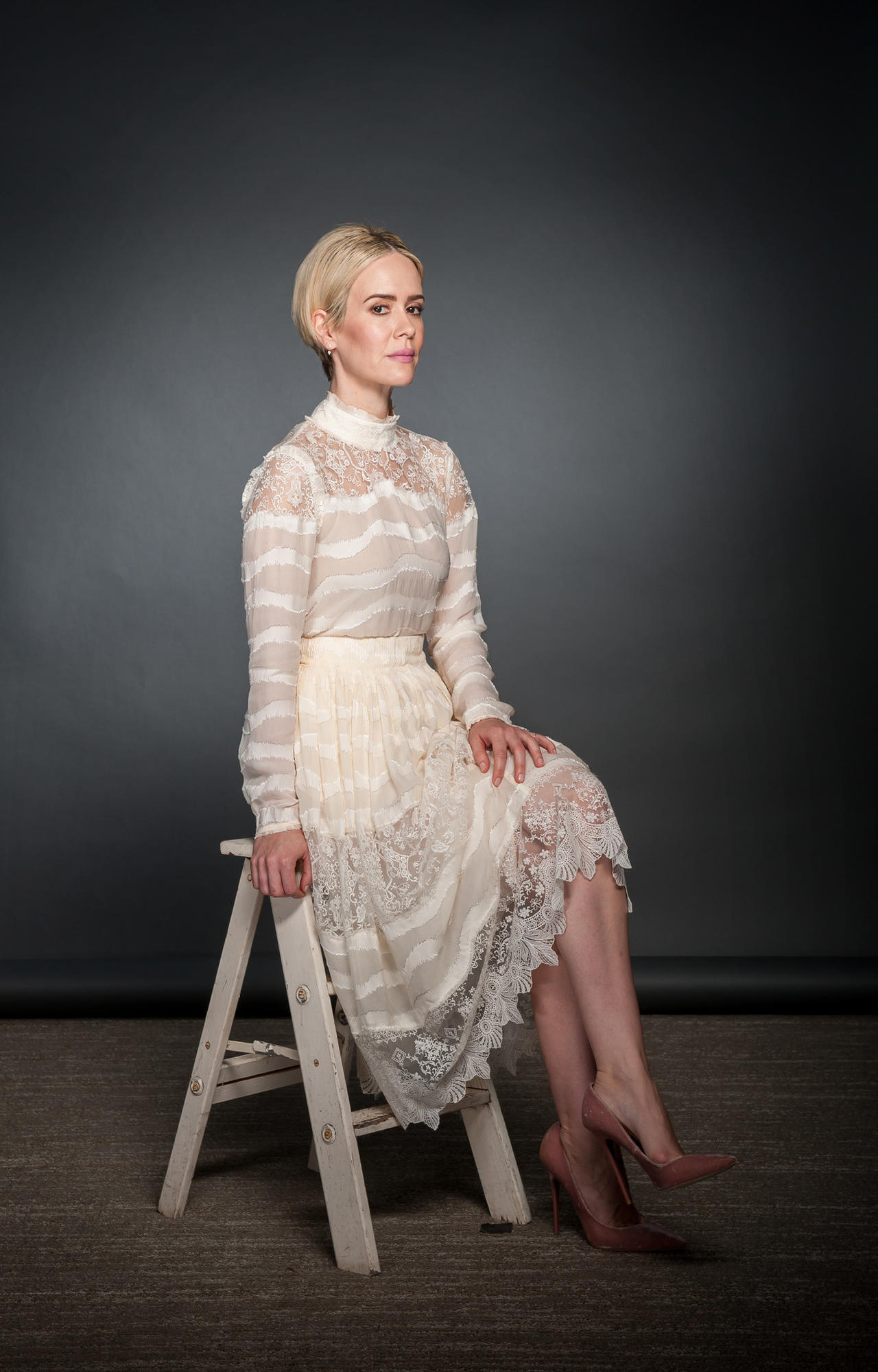 """Sarah Paulson, who played Marcia Clark, says filming on the courtroom set in front of background performers was """"a little bit like doing a play with all the lights on."""""""