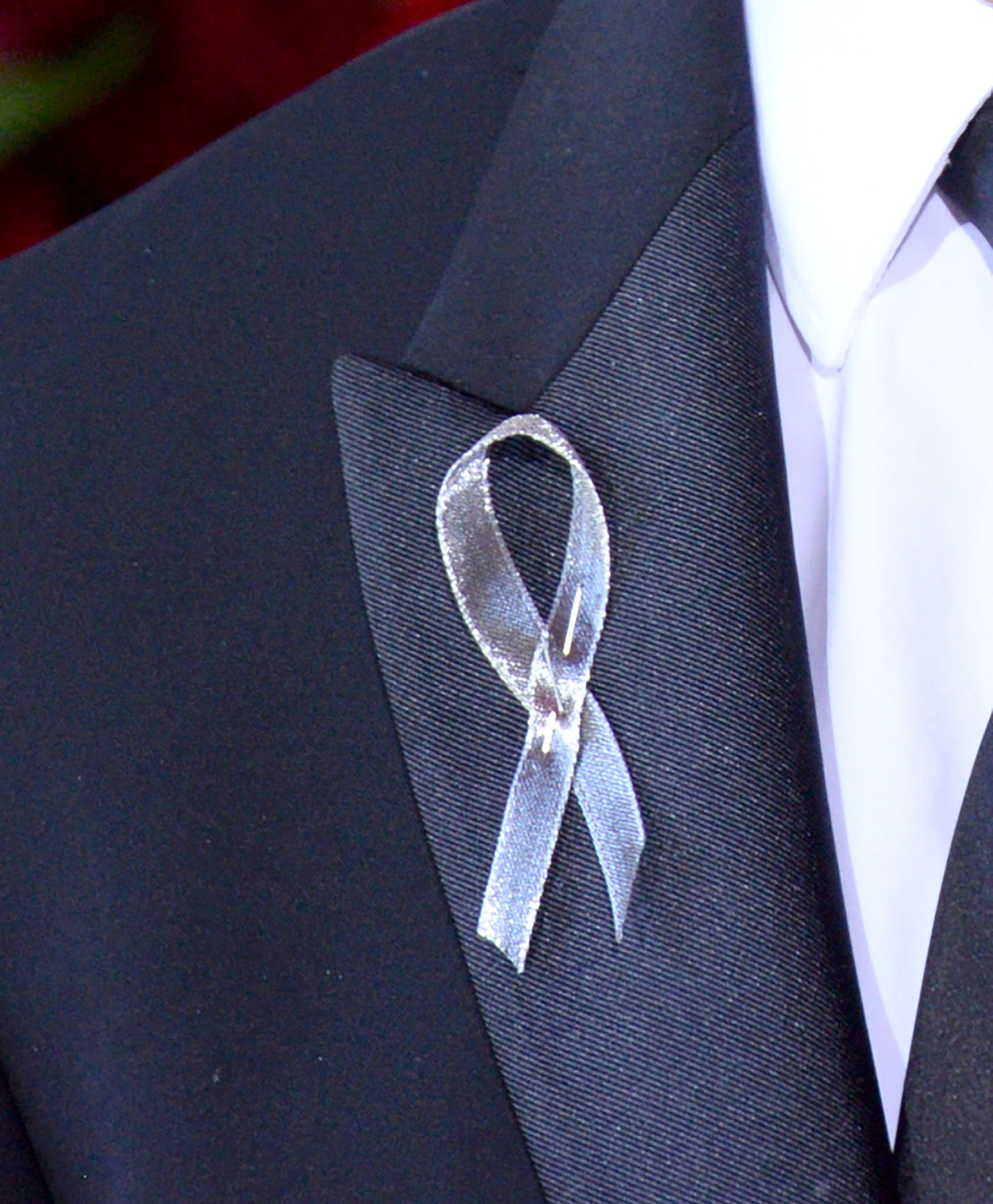 Tony Awards show attendees wore silver ribbons in remembrance for Orlando. (Charles Sykes / Invision/AP)