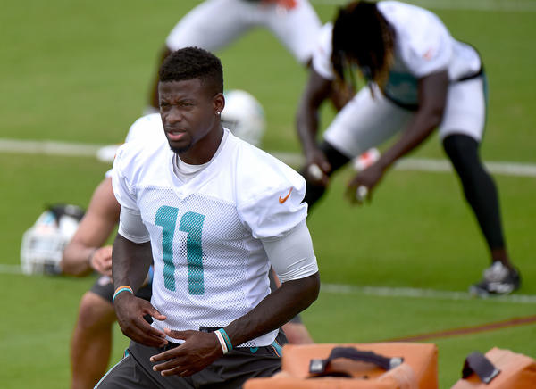 DeVante Parker cleared to practice, but held out of Dolphins' first minicamp session
