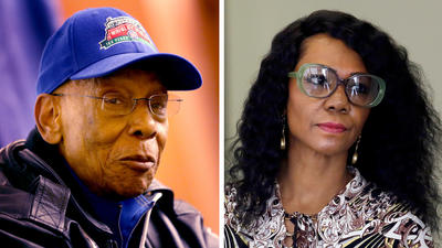 Ernie Banks' caretaker given tentative OK to sell some of legend's assets