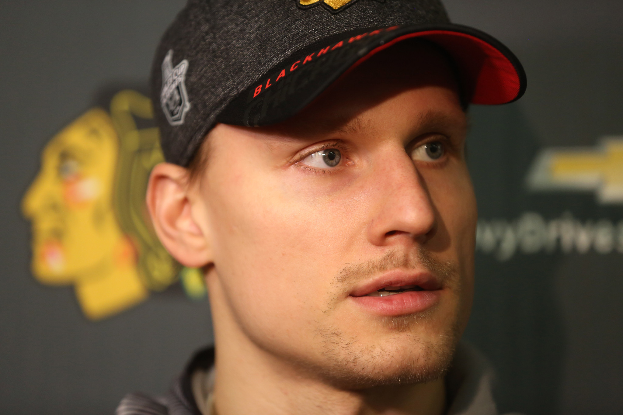Ct-blackhawks-richard-panik-contract-20160615