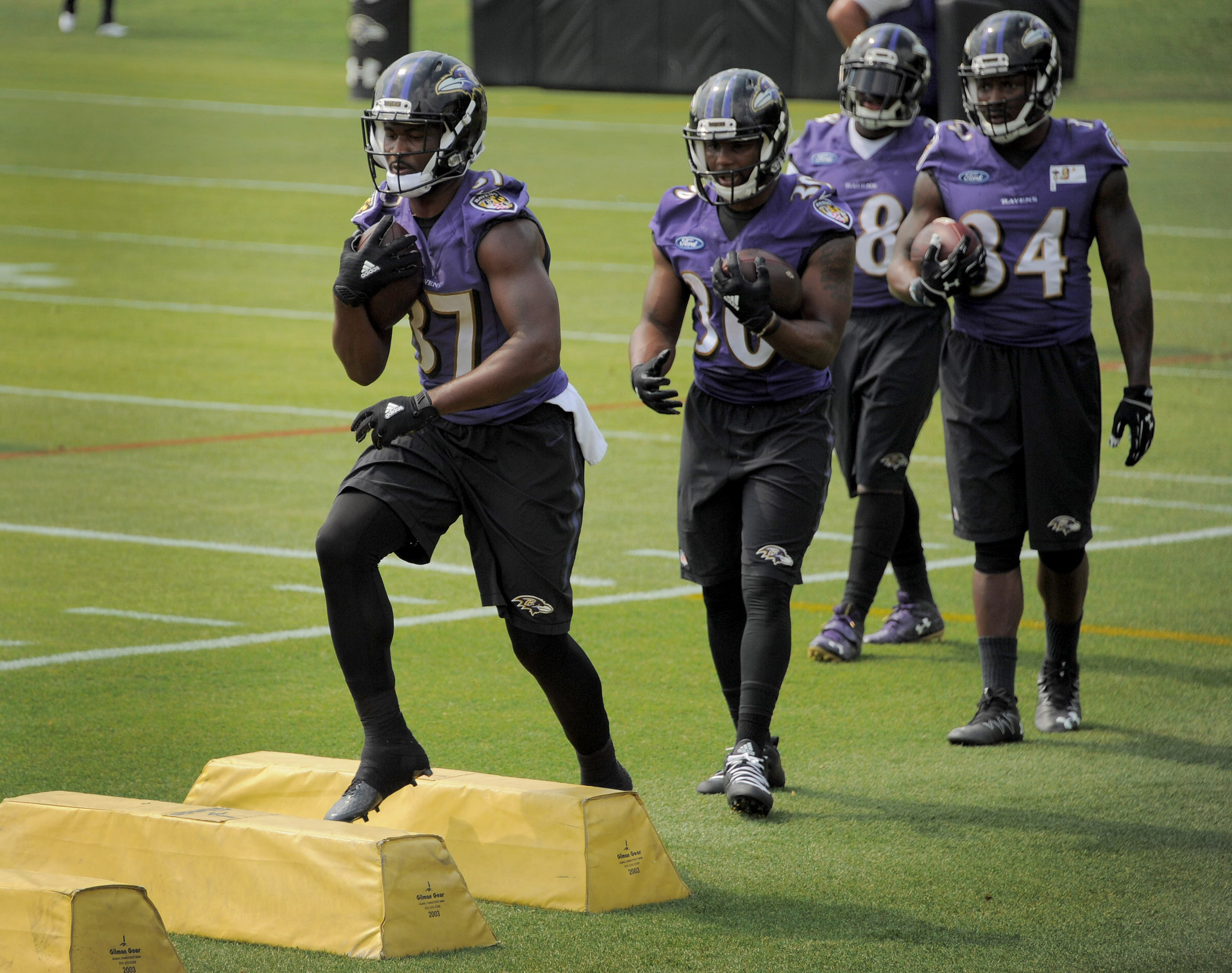 Bal-mike-preston-ravens-tight-end-corps-gives-team-newfound-flexibility-and-other-practice-observations-20160616