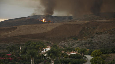 Santa Barbara fire explodes with the help of dangerous 'sundowner' winds