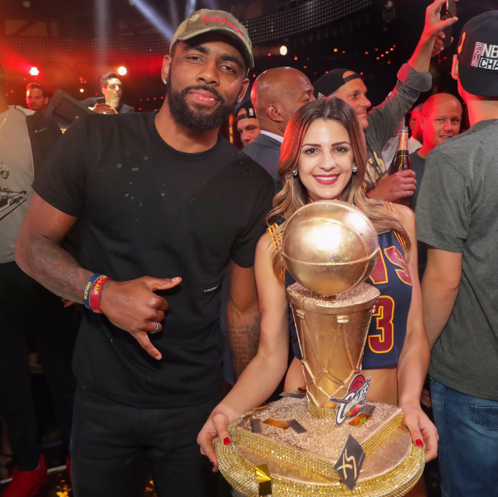 Cavs stop for victory party in Las Vegas on way home - Chicago Tribune