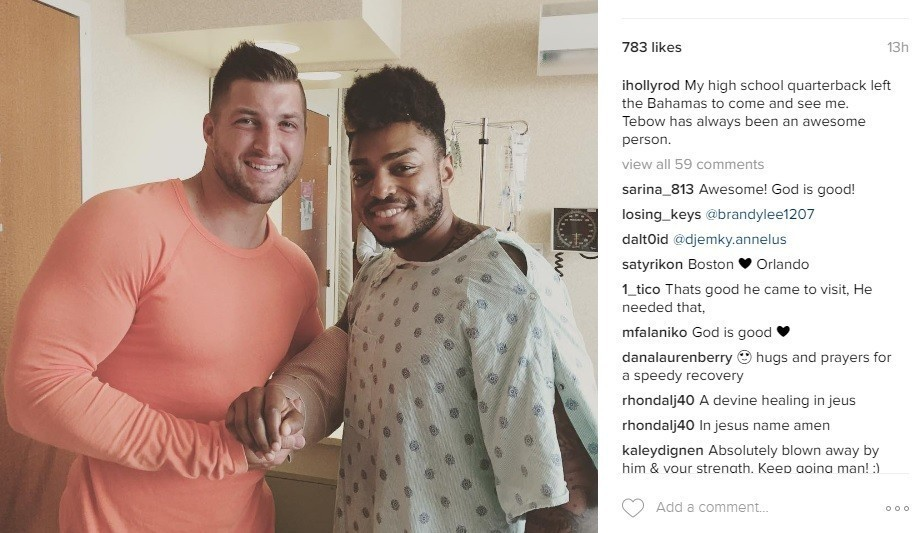 Os-tim-tebow-visits-teammate-wounded-pulse-shooting-20160621