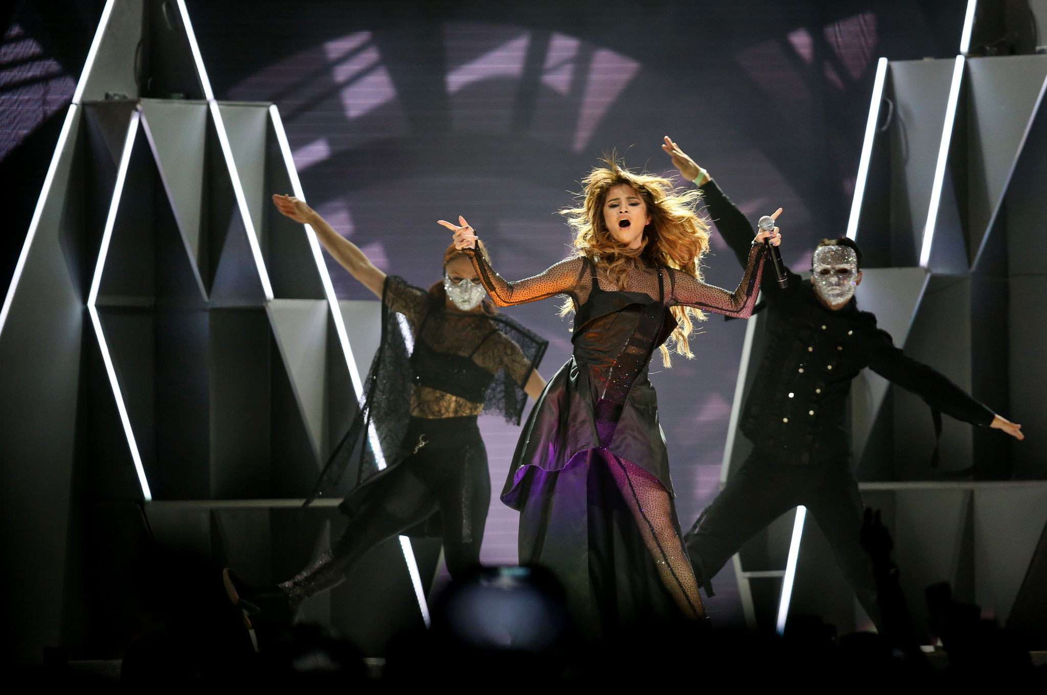 Review: Selena Gomez growing up at United Center