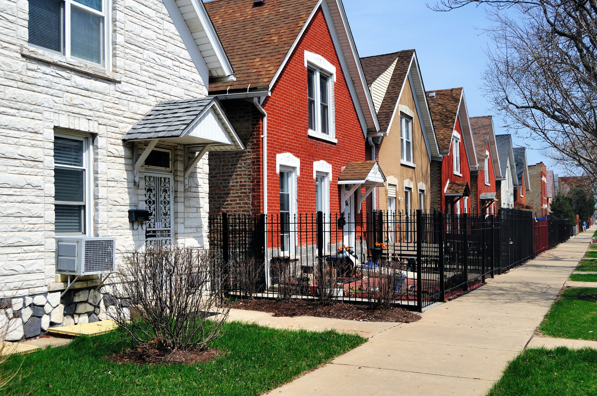 Neat, colorful row of homes in Chicago's Douglas Park neighborhood.  (Getty Images)