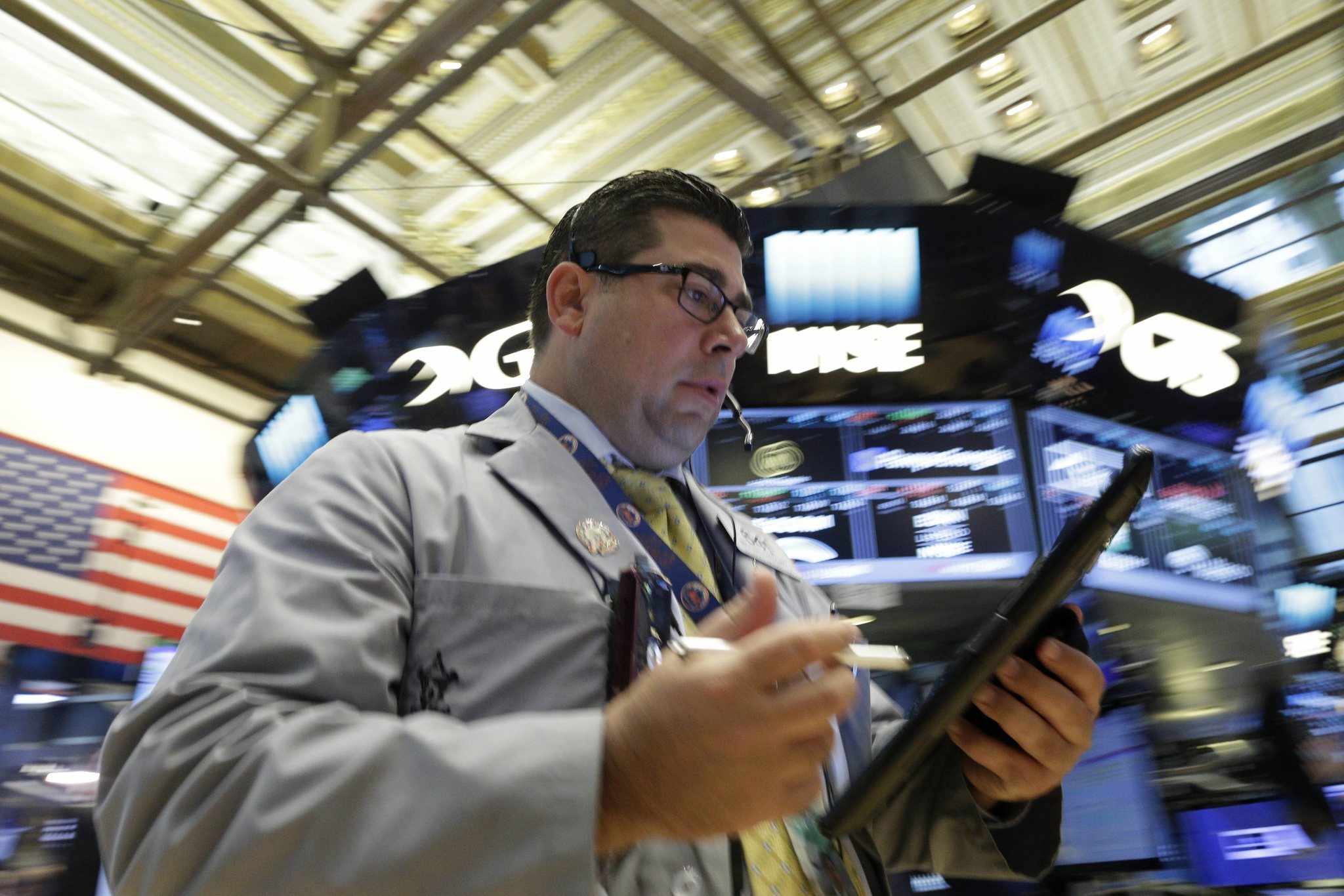 U.S. stocks open lower as markets continue to react to Brexit