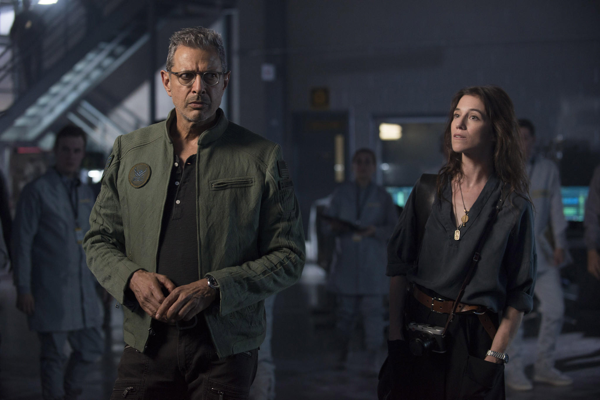 http://www.trbimg.com/img-577291f6/turbine/la-et-mn-independence-day-resurgence-review-20160620-snap