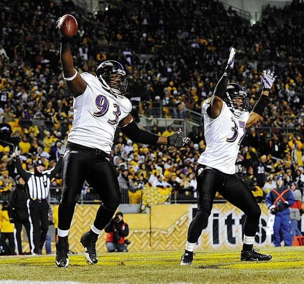 Former Ravens defensive end Cory Redding retires