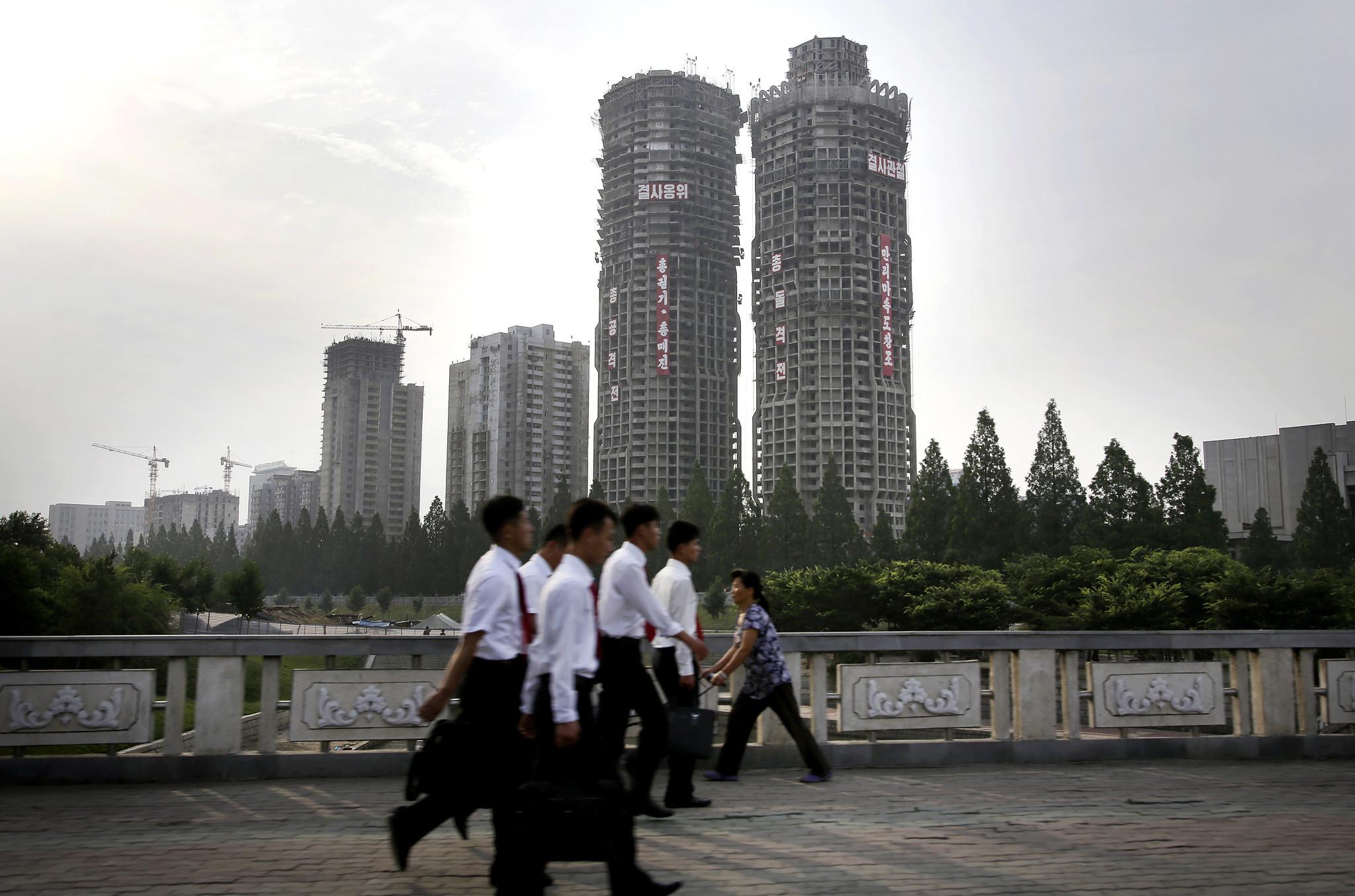 pyonghattan 2 0 more skyscrapers go up in capital pyonghattan 2 0 more skyscrapers go up in capital chicago tribune