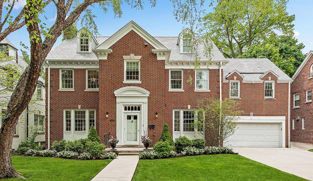 Evanston Home Where  U0026 39 Sixteen Candles U0026 39  Filmed Is For Sale