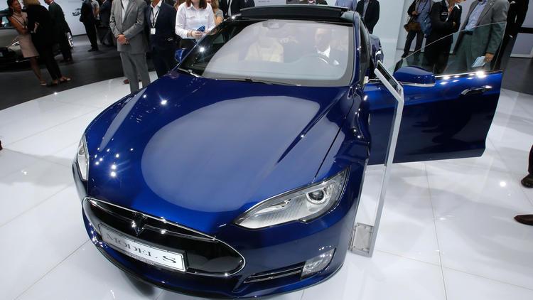 Tesla driver killed in first fatal autopilot crash
