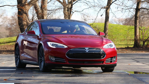 Tesla driver's death using car's 'Autopilot' probed by NHTSA
