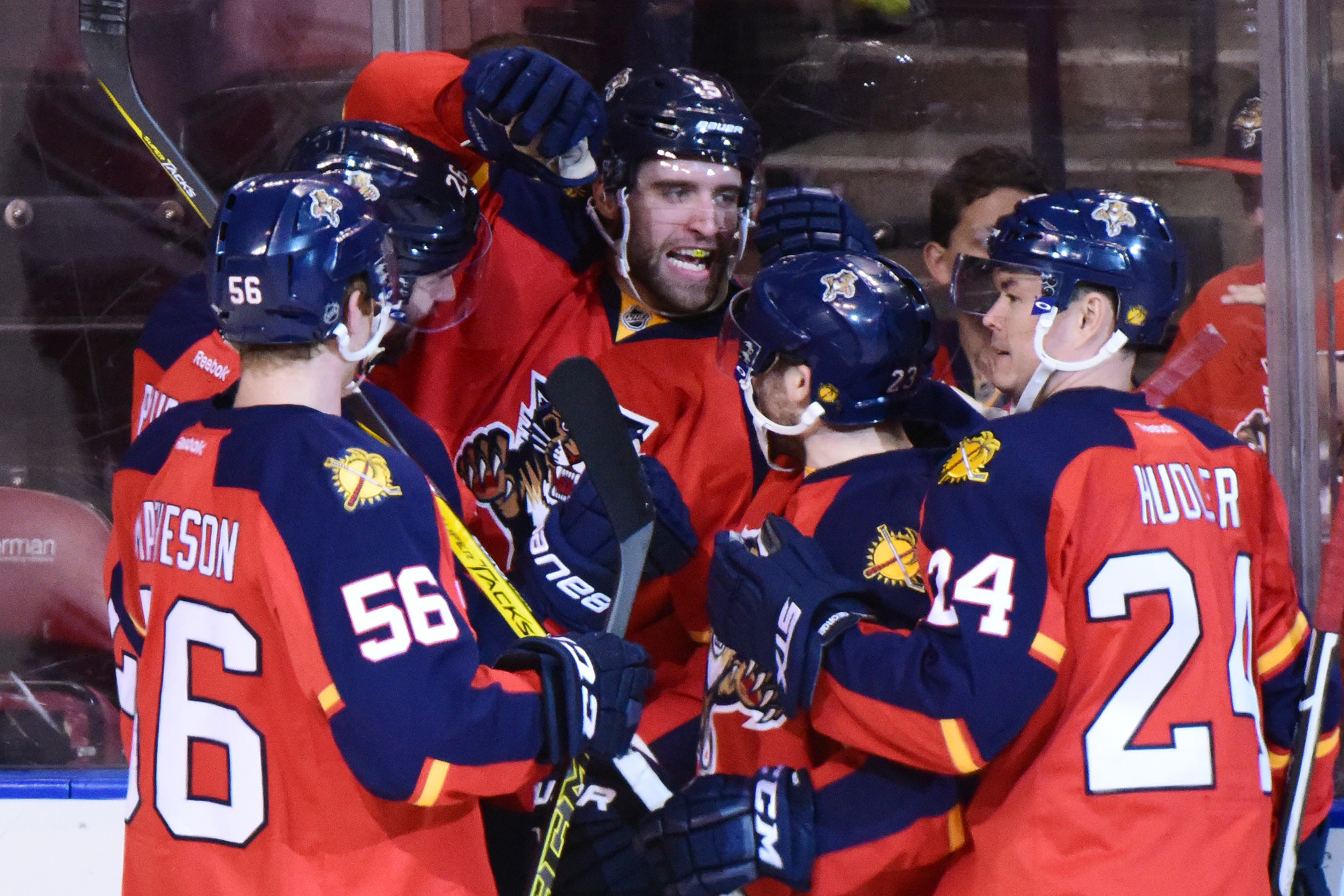 Sfl-panthers-to-offer-defenseman-aaron-ekblad-franchise-high-60-million-extension-20160630