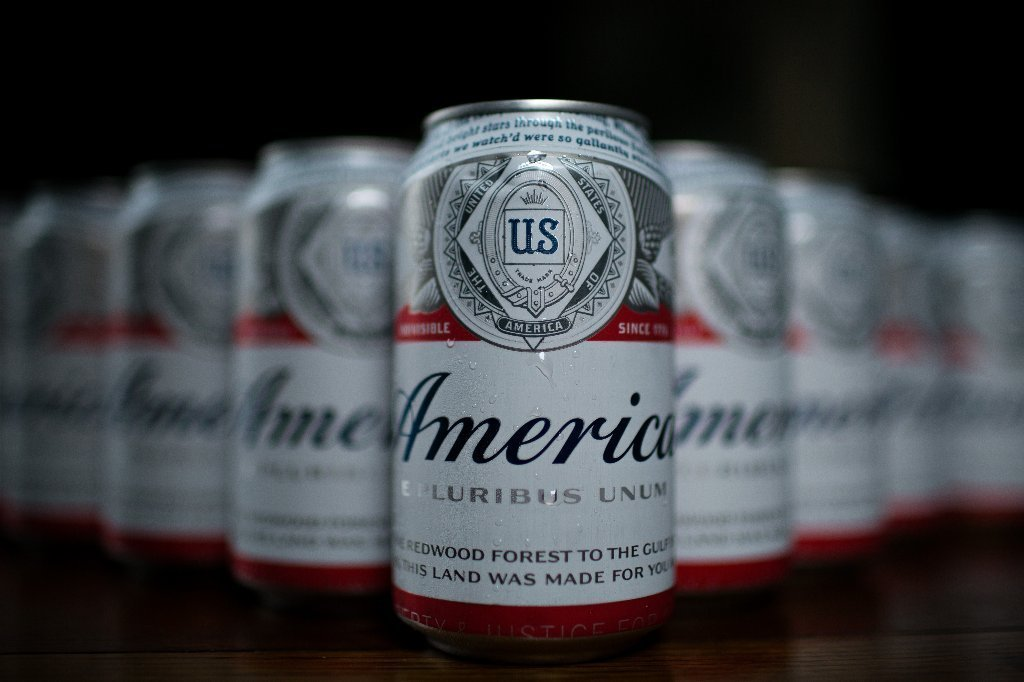Budweiser calls itself america but will we buy king of beers as a patriot chicago tribune - Budweiser beer pictures ...