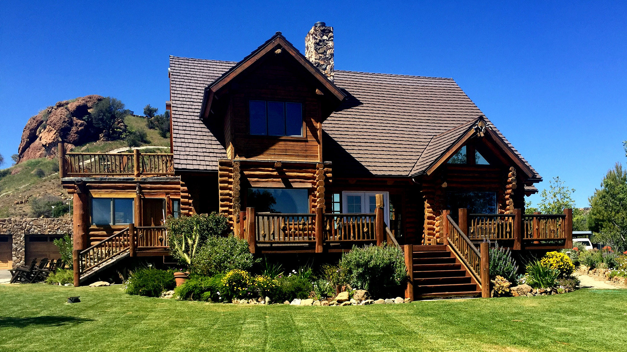 Extraordinary homes welcome you for a brief encounter for Ranch log homes