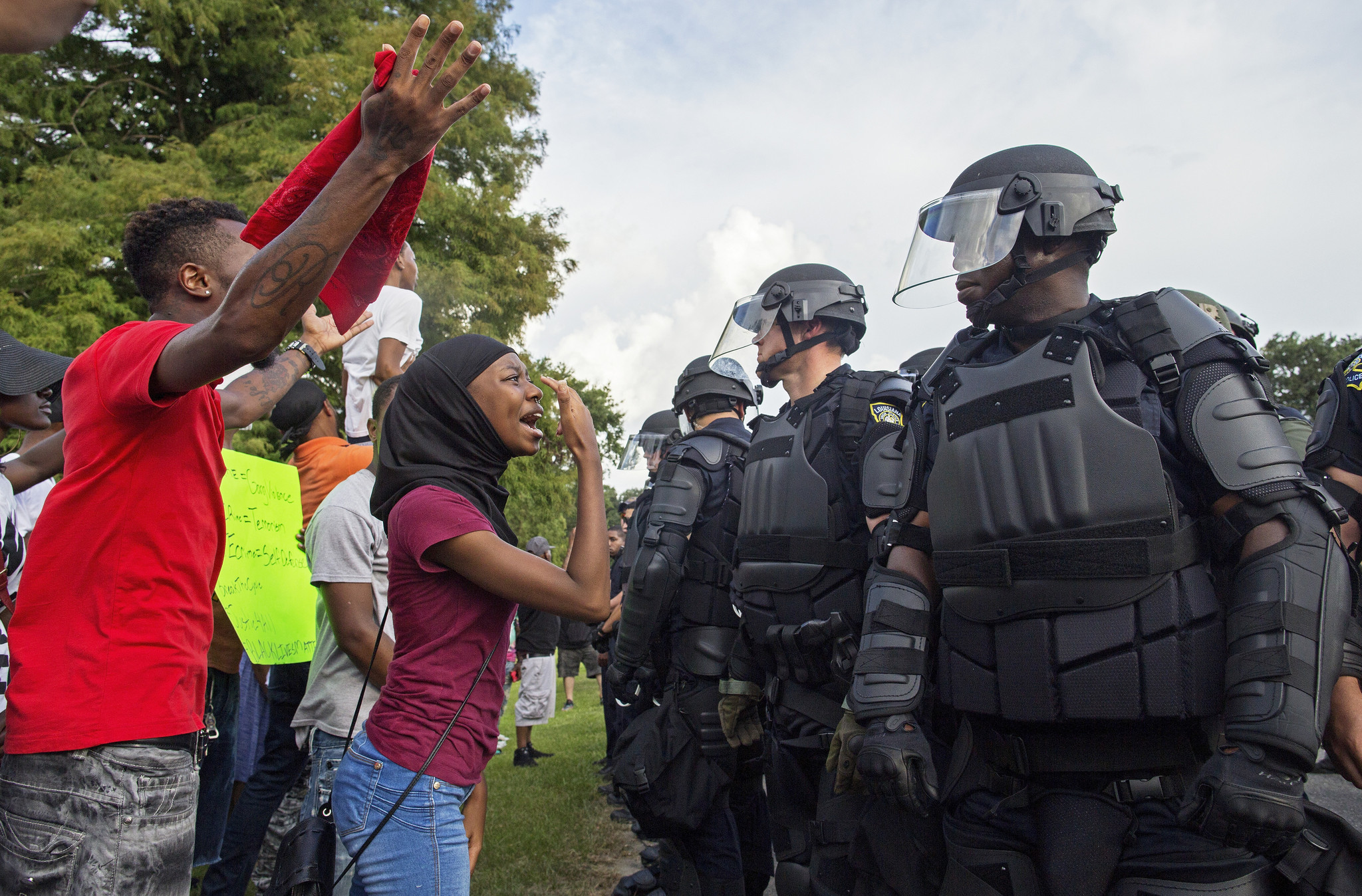 Louisiana Department Of State Civil Service : Louisiana police shooting protests move through baton