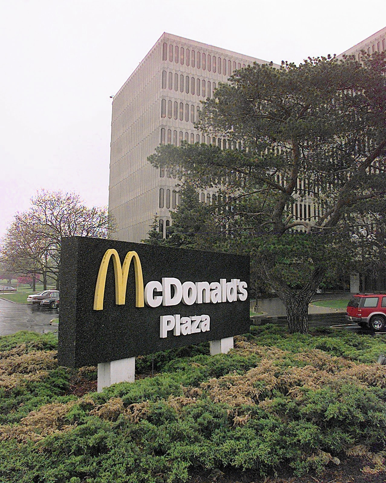 McDonald's to work closely with Oak Brook in planning move ...