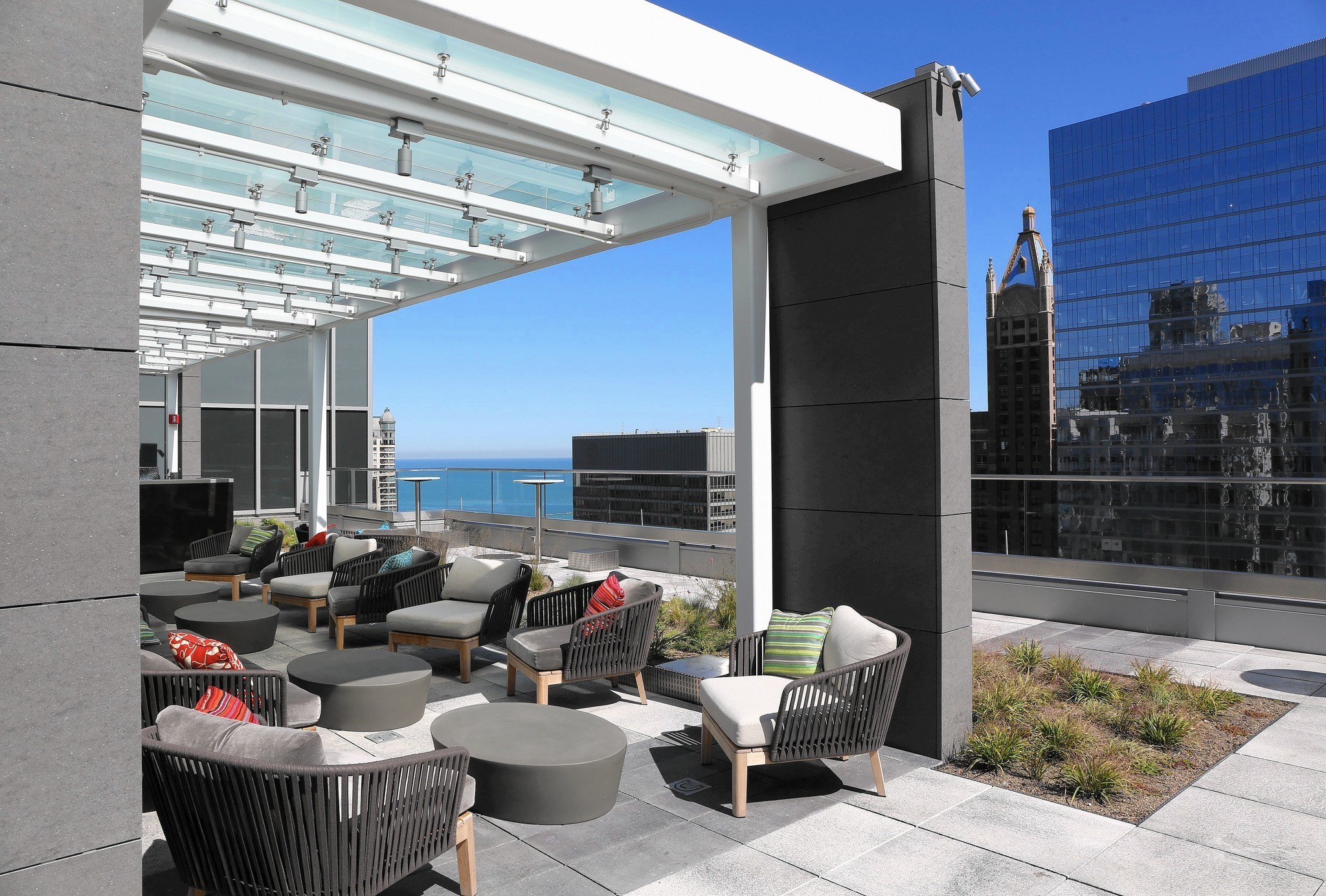 Updated: 130-plus Chicago patios and rooftops for summer eating ...