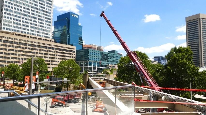 Traffic Light Demolition : Pedestrian bridge demolition sun sentinel