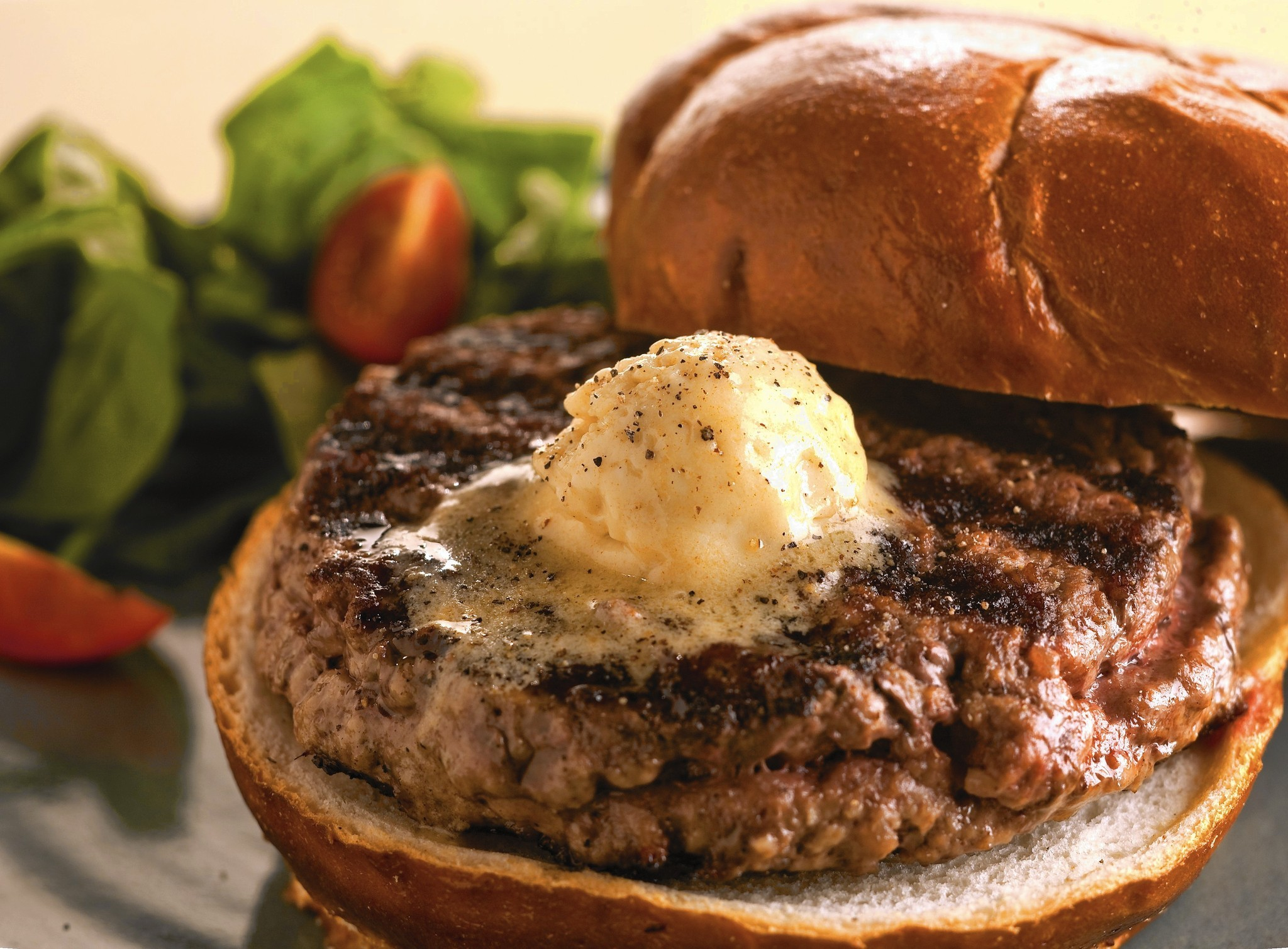 Mustard-butter burgers: How to make them and what to drink with them