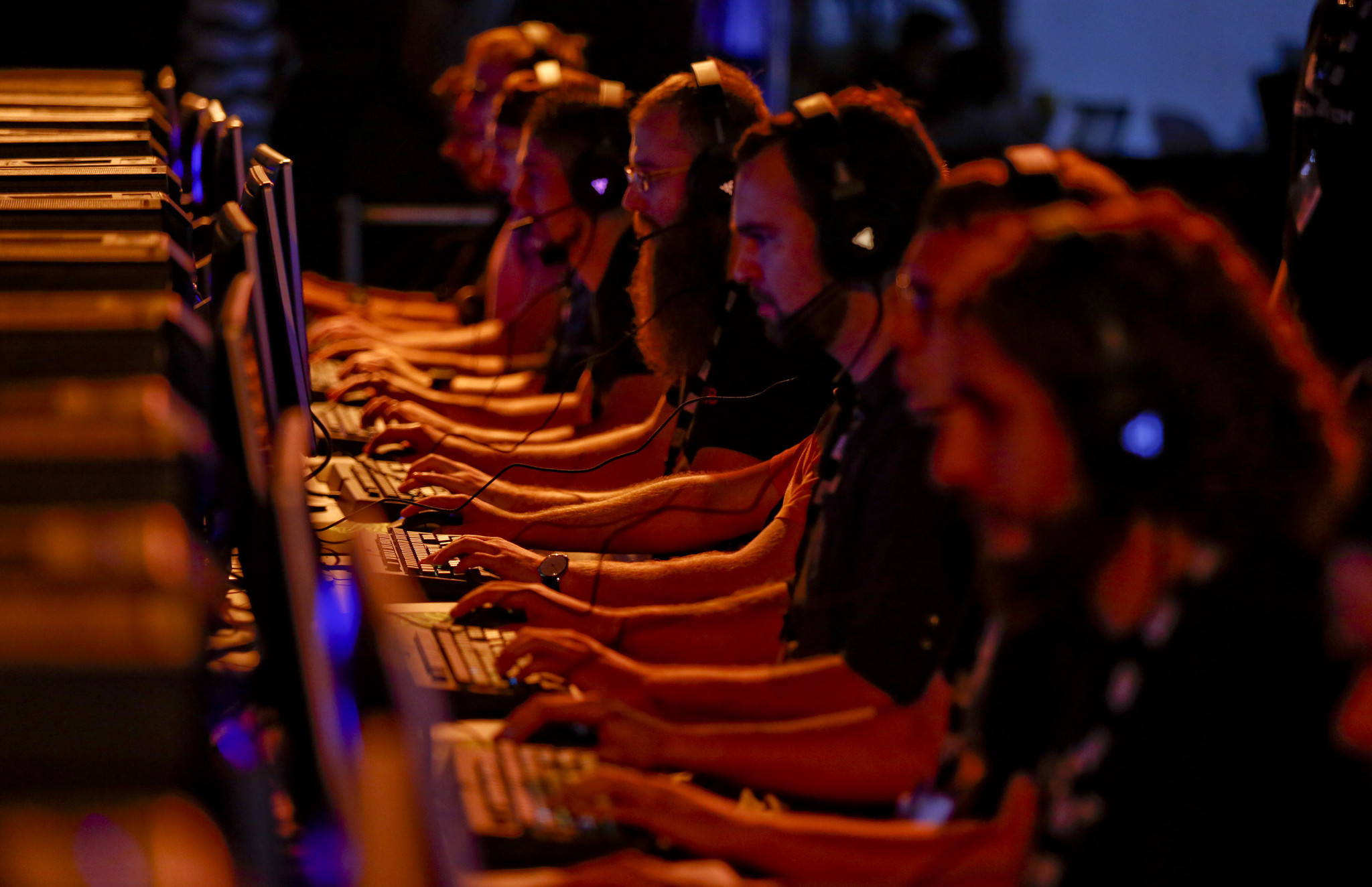 'Heroes of the Storm' player threatens Blizzard Entertainment gaming company with AK-47, prosecutors say
