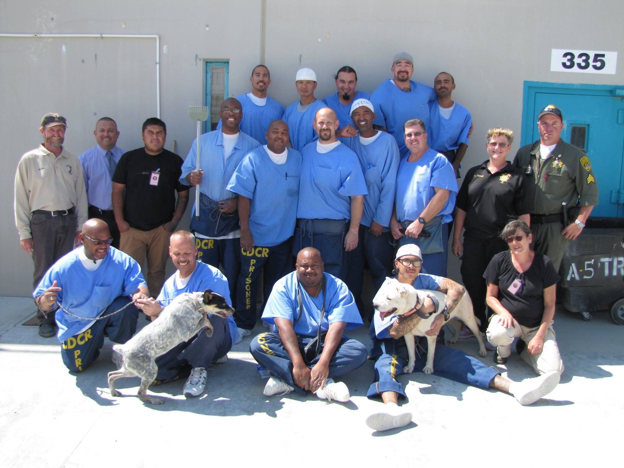 la-sand-fire-live-updates-lancaster-prison-hosts-deaf-dogs-1469555408 (2048×1536)