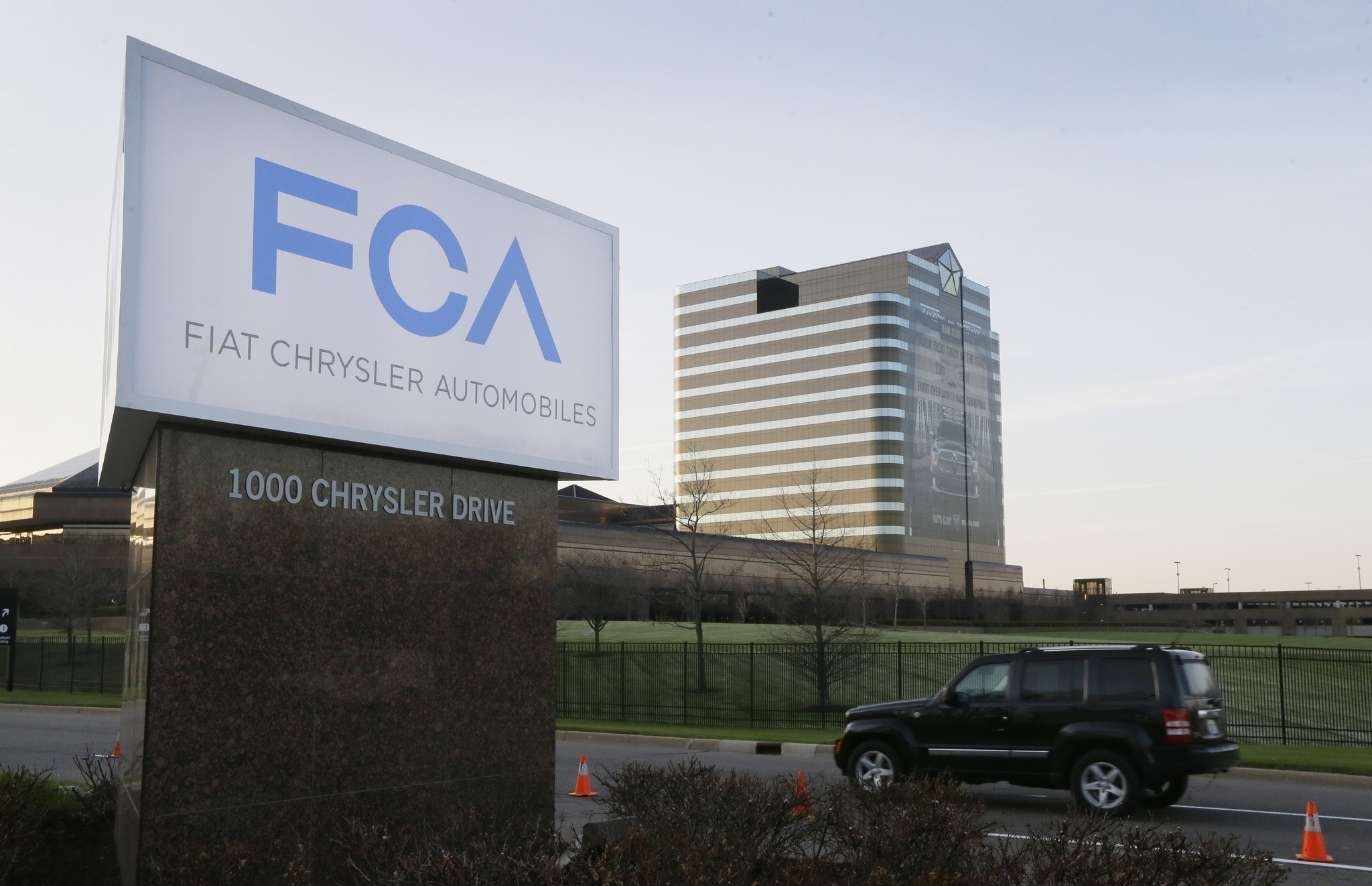 Fiat Chrysler Automobiles fixes sales reporting method that allegedly squeezed dealers - Chicago Tribune