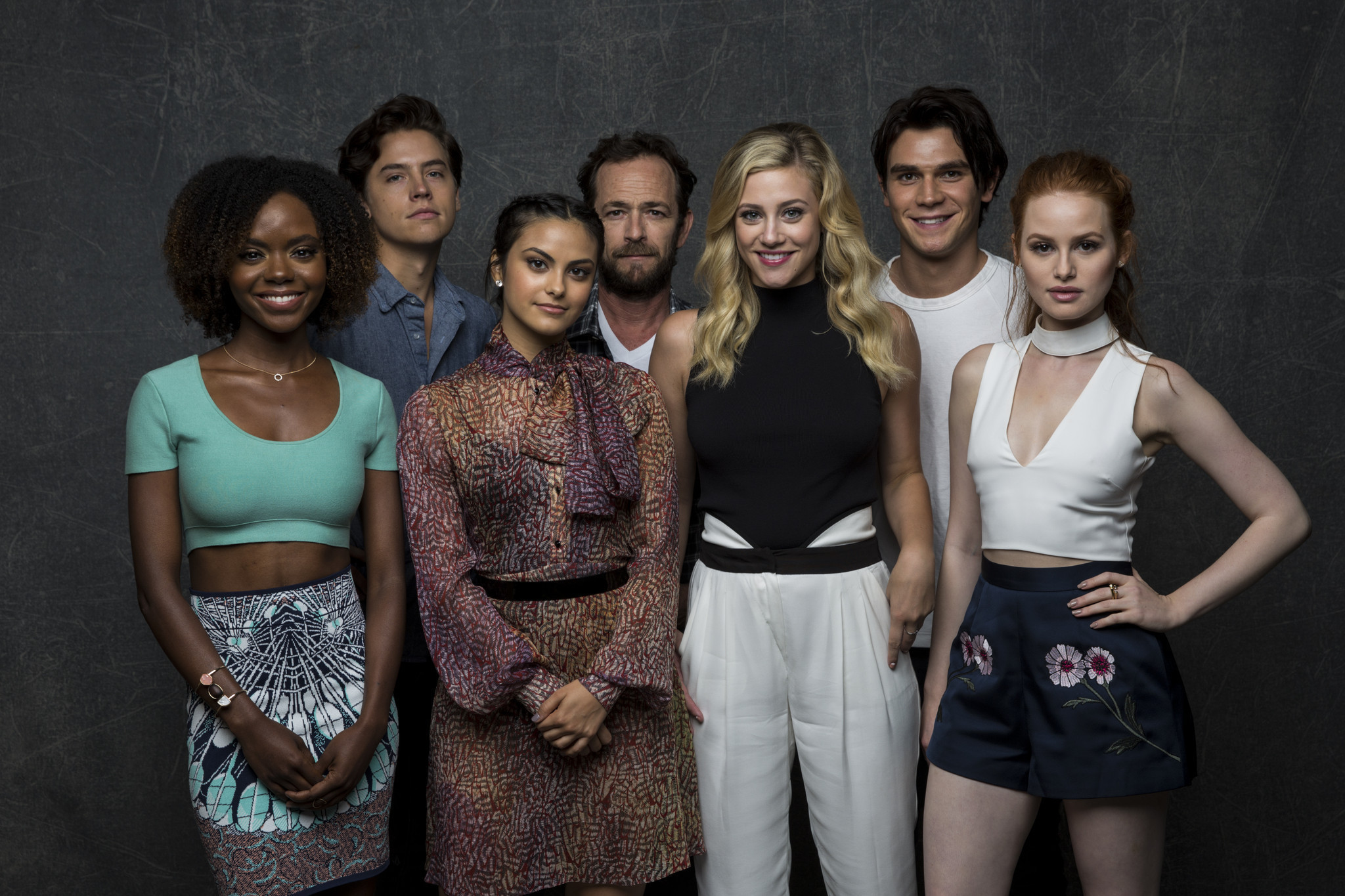 riverdale singles & personals So cole and lili there's been a lot of rumors of you guys dating are you dating, the fan asked the actors while the rest of the riverdale cast shifted uncomfortably in their seats this.
