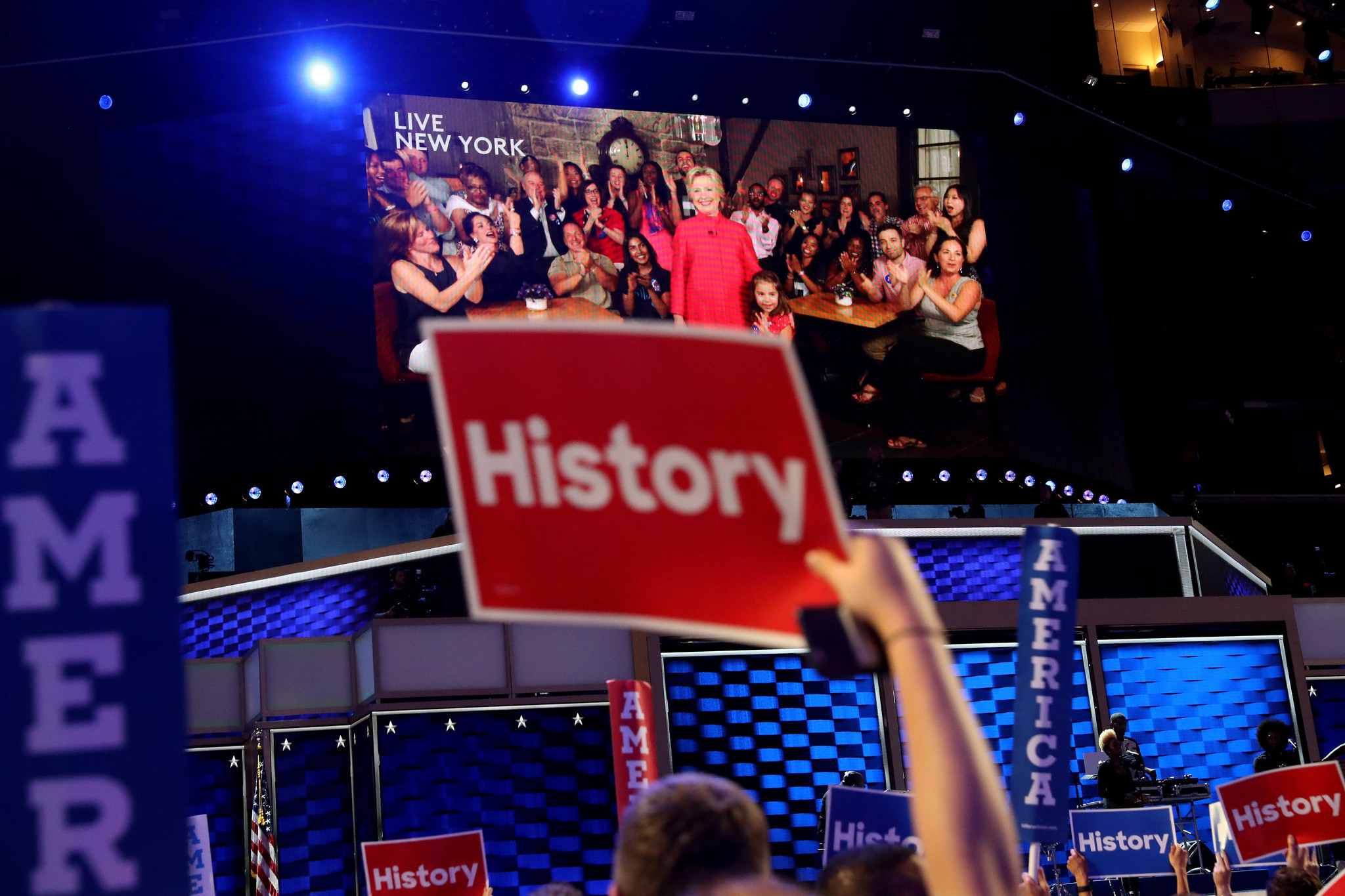History Takes The Stage Hillary Clinton Becomes The First Woman - Hillarys stage us map