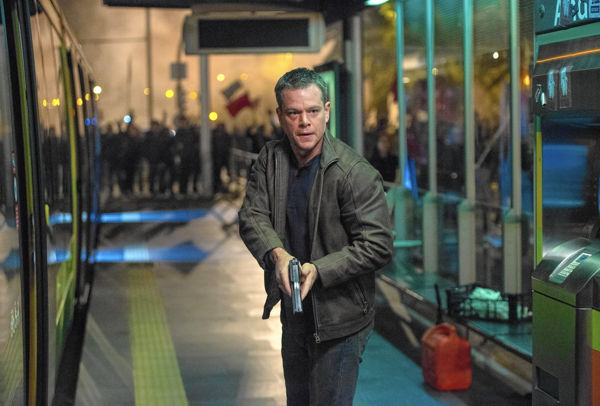 jason bourne review matt damon back in action