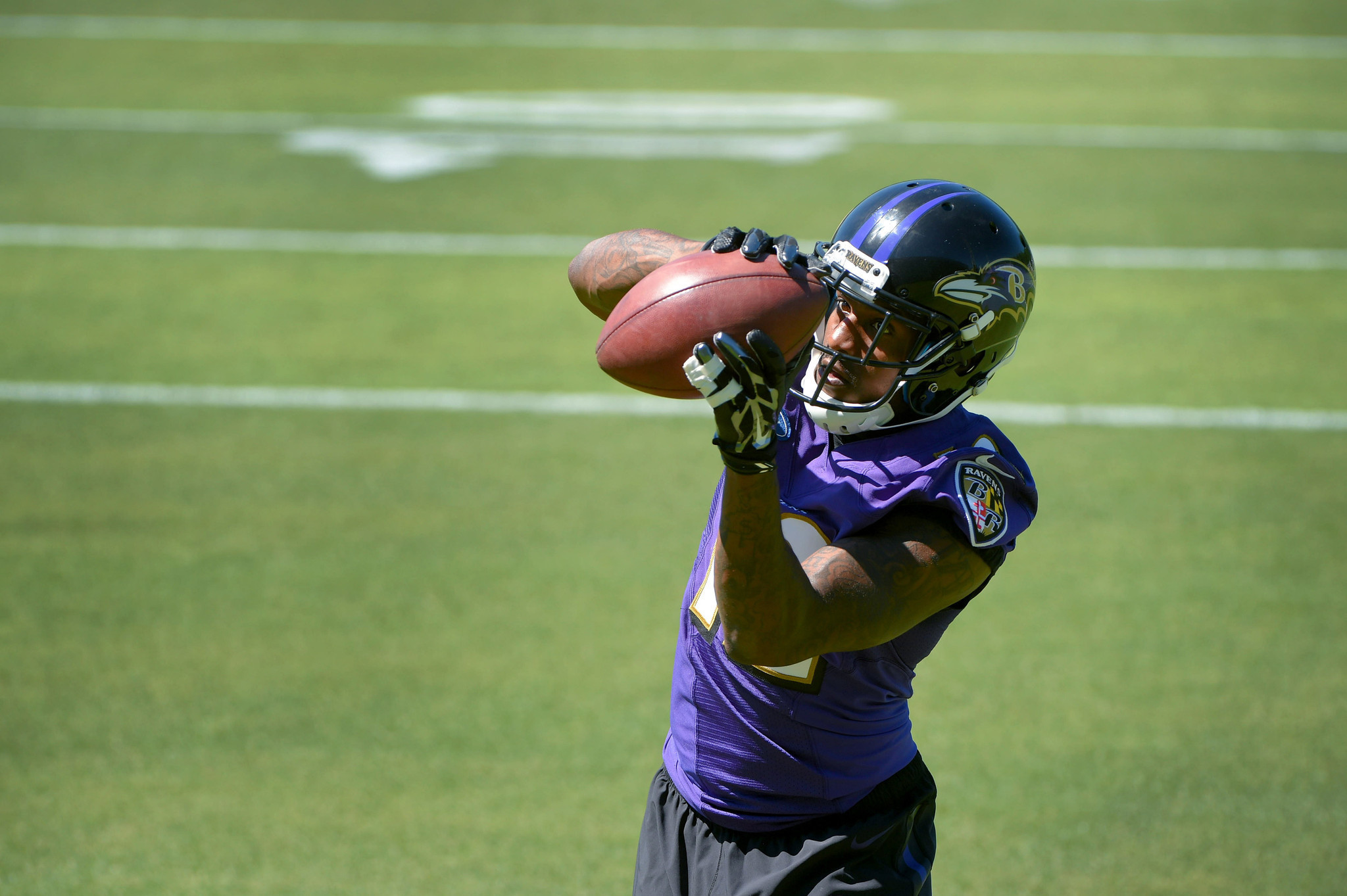 Bal-mike-wallace-passes-conditioning-test-makes-training-camp-debut-20160729