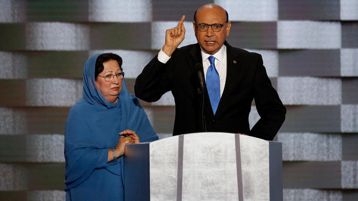 Ghazala and Khizr Khan at the Democratic National Convention. (Carolyn Cole / Los Angeles Times)