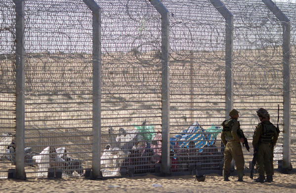A fence along the Israel-Egypt border, shown in 2012. (Ariel Schalit / AP)