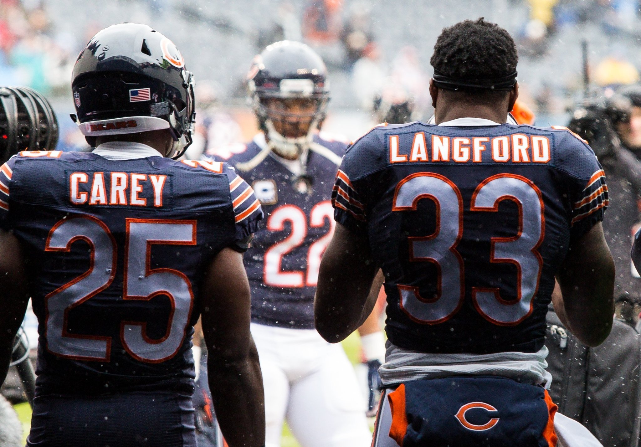 Ct-jeremy-langford-kadeem-carey-bears-spt-0803-20160802