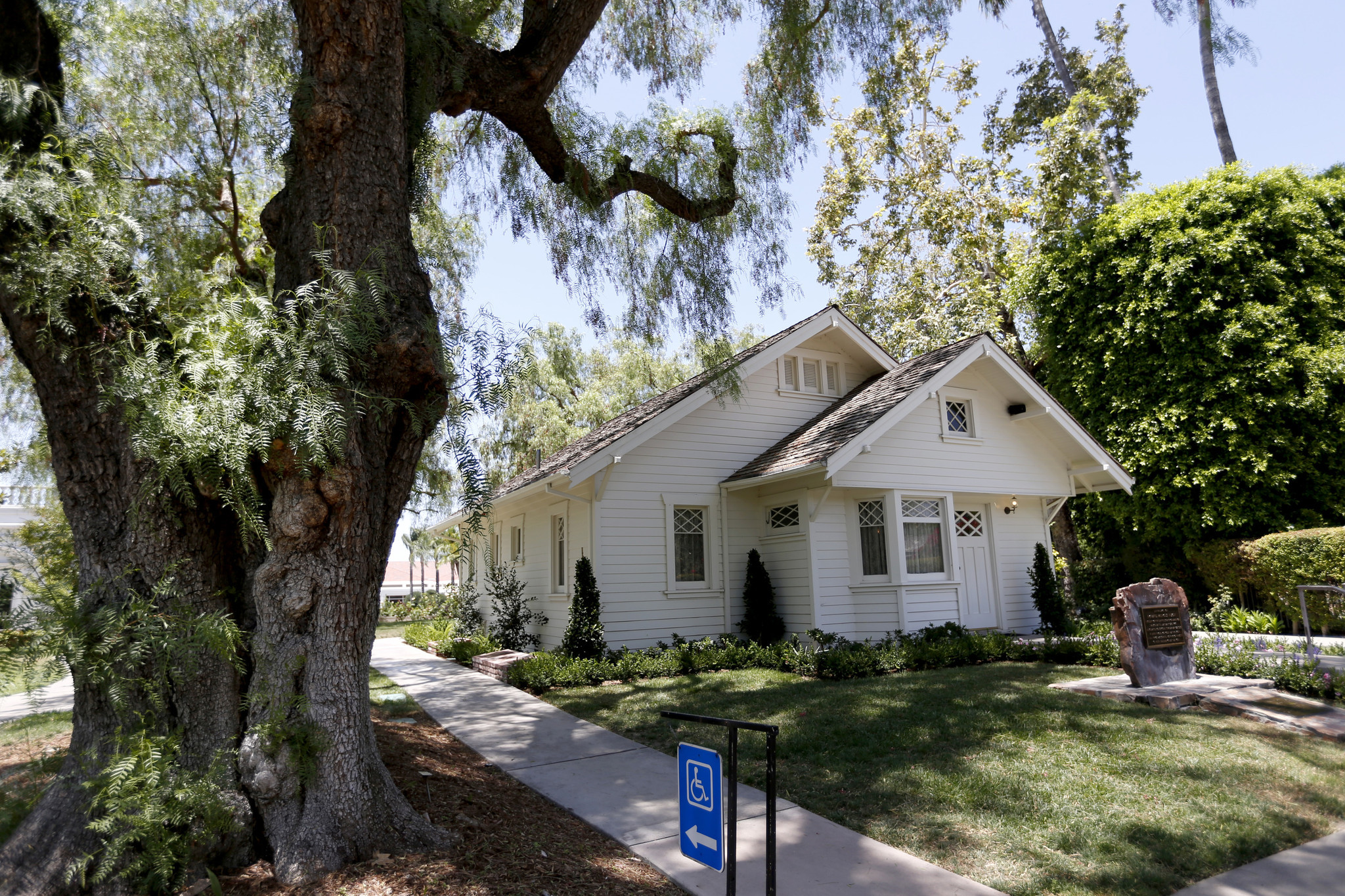 The Richard Nixon Birthplace, where Nixon was born and lived from 1913 to 1922, is located on the grounds of the new Richard Nixon Library and Museum.