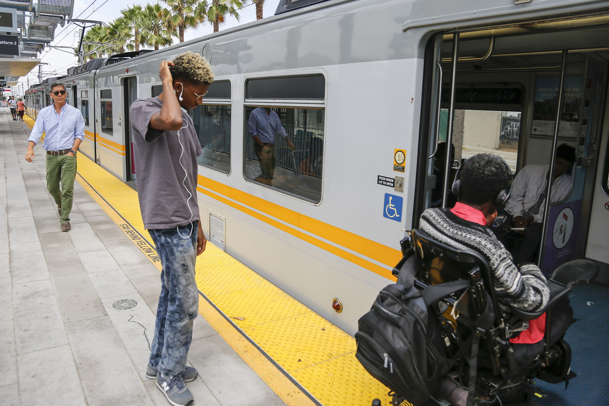 Rail ridership dips as Metro loses passengers for fifth ...