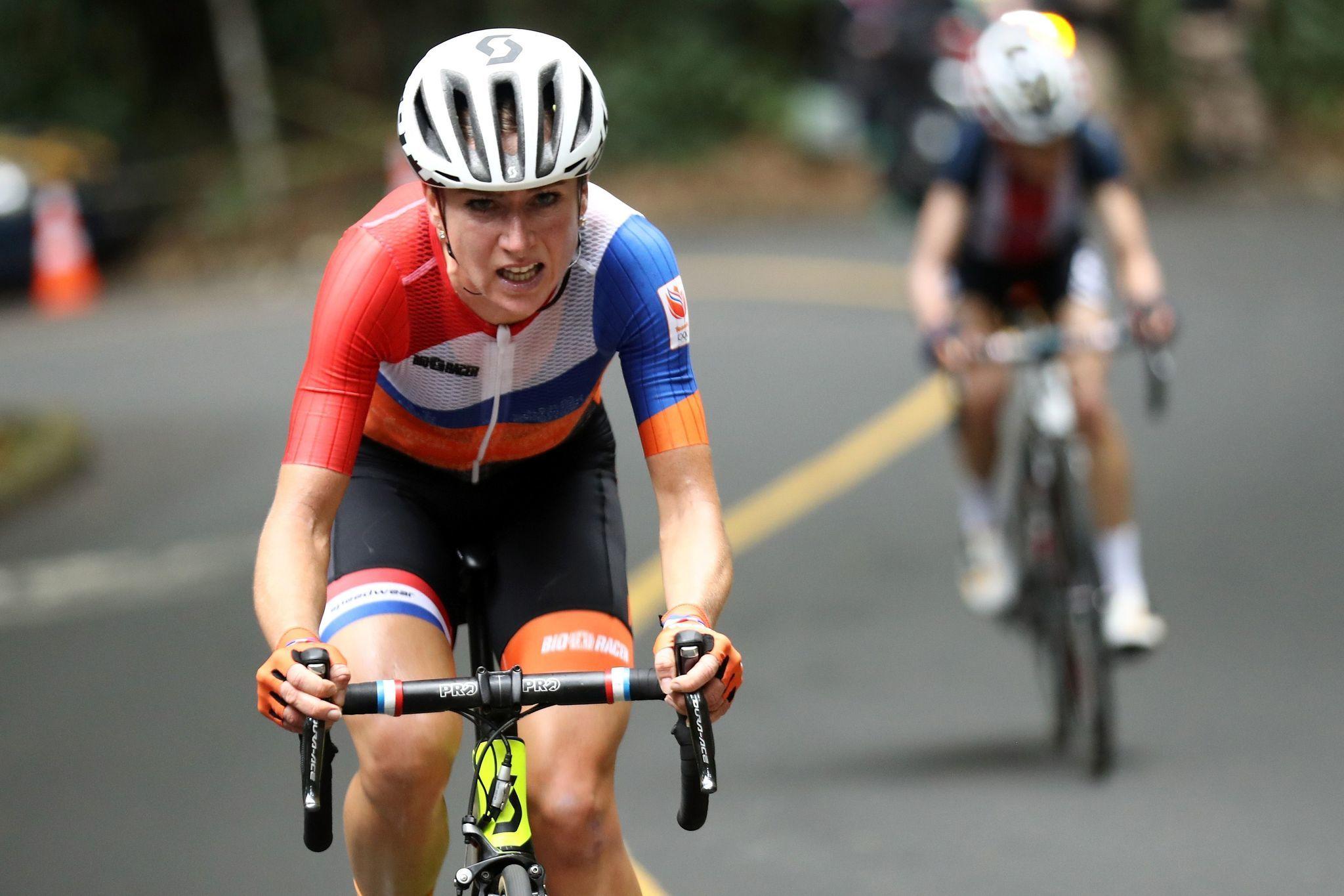 dutch cyclist annemiek van vleuten fractures spine during crash at rh chicagotribune com