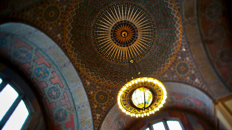 Central Library rotunda (Jay L. Clendenin / Los Angeles Times)