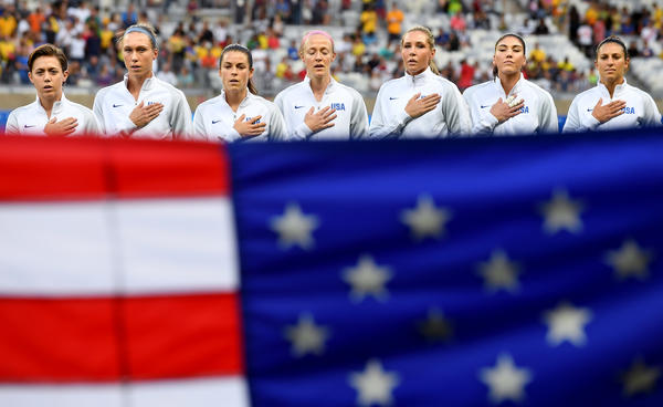 The U.S. women's soccer team plays Sweden in the quarterfinals today. (Wally Skalij / Los Angeles Times)