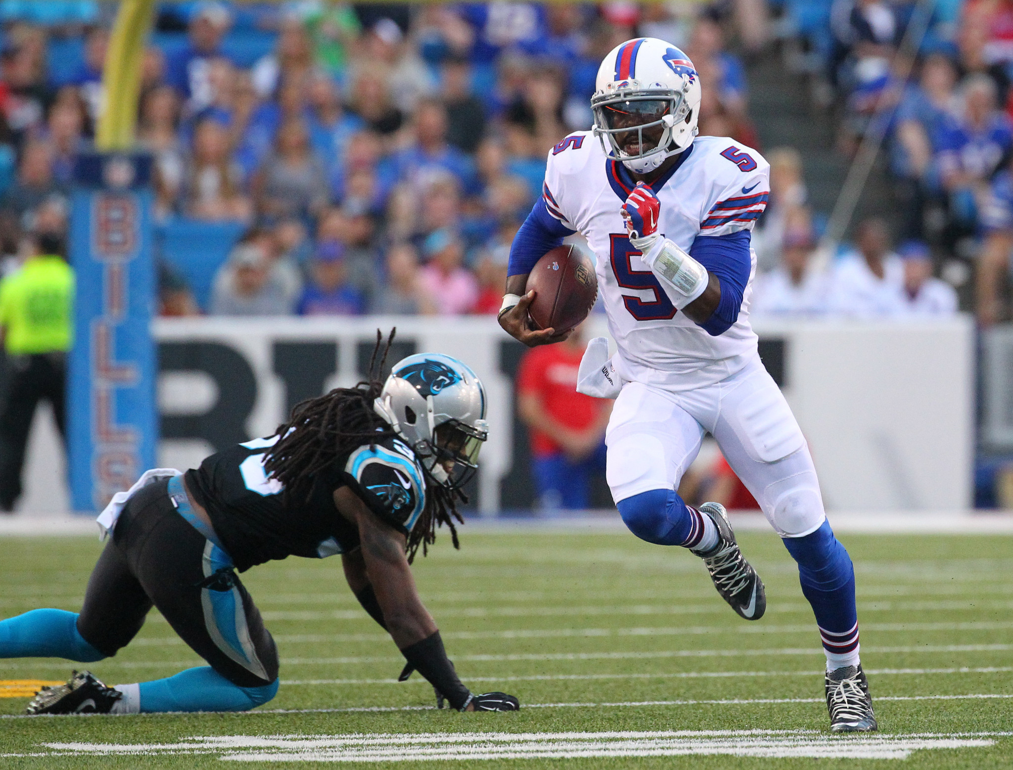 Bal-bills-sign-former-ravens-qb-tyrod-taylor-to-six-year-contract-extension-20160812