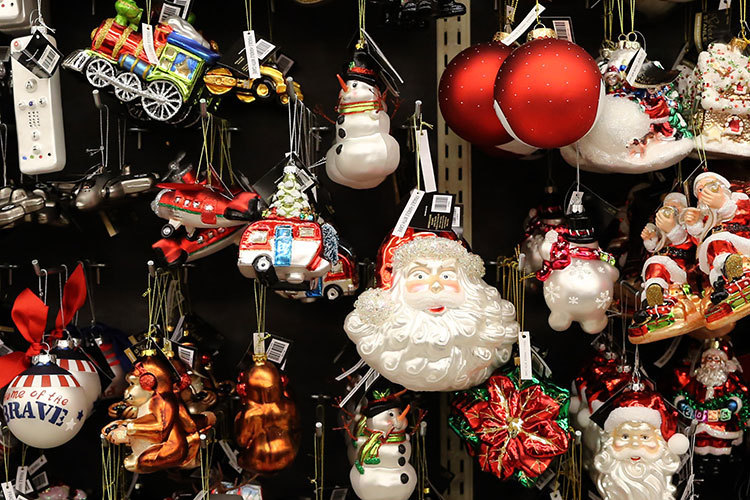 why you see christmas items in stores during the summer chicago tribune - Macys Christmas Decorations 2017