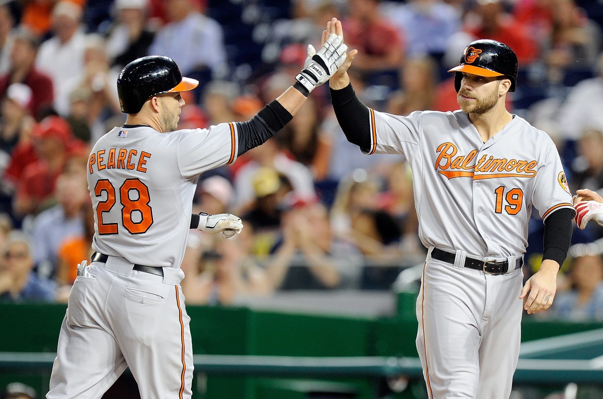Bal-orioles-shuffle-defense-with-chris-davis-in-right-field-returning-steve-pearce-at-first-base-20160816