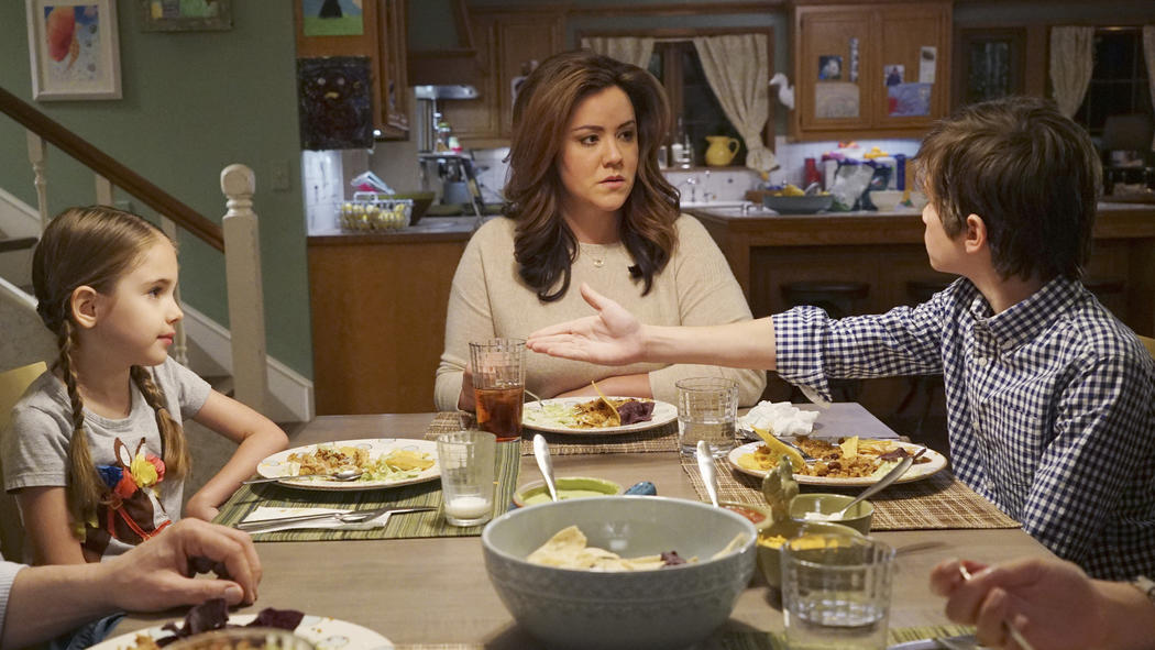 Why American Housewife's Katy Mixon Is TV's Realest Sitcom Mom