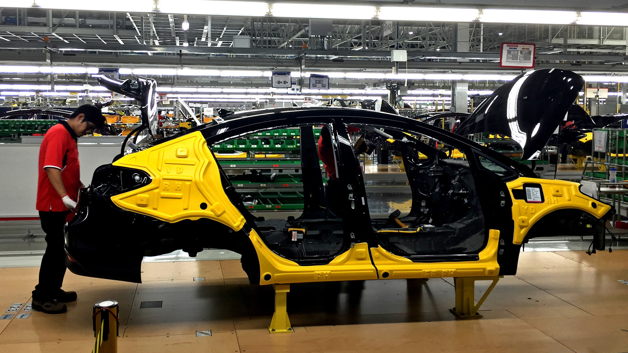 Despite fears, Mexico\'s manufacturing boom is lifting U.S. workers ...