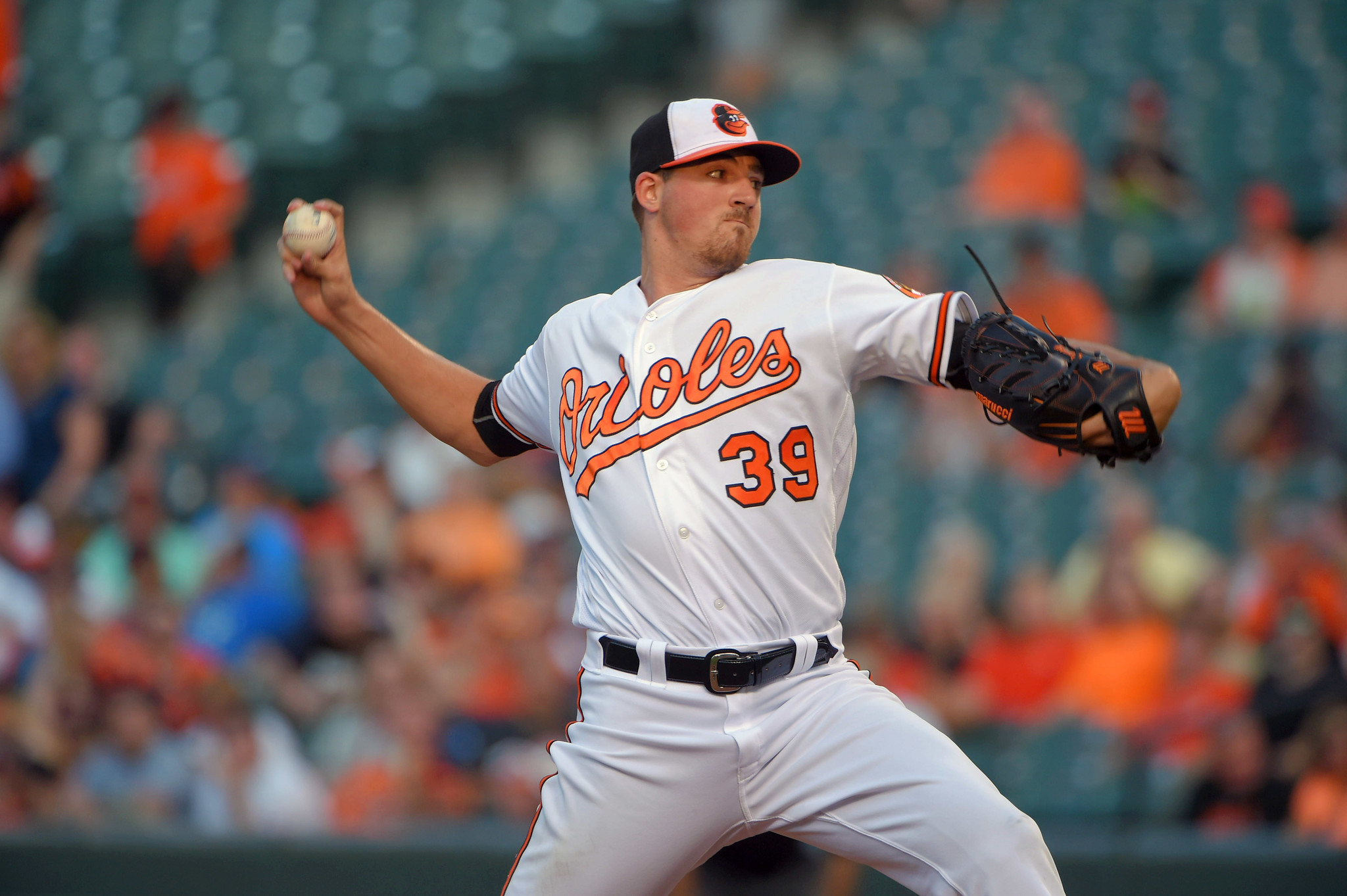 Bal-kevin-gausman-efficient-and-effective-earns-praise-in-win-over-astros-20160818