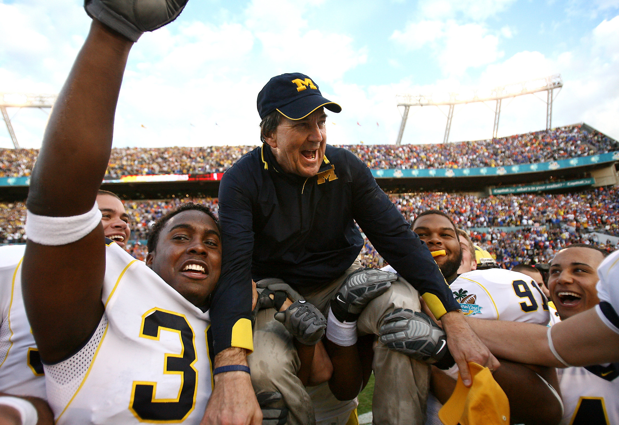 Os-lloyd-carr-stepping-down-from-cfp-selection-committee-20160819