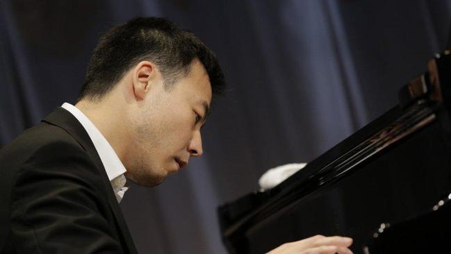 Van cliburn amateur piano